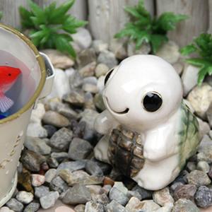 ミニ亀(白色)  信楽焼かめ置き物[ok-0071]