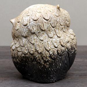 信楽焼きふくろう 5号首かしげふくろう(粉引) 陶器フクロウ置物[fu-0132]