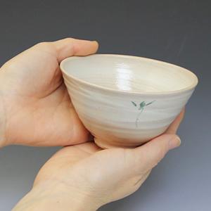 信楽焼き飯碗!花紋(緑)めし碗!土のぬくもりあるご飯茶わんです。[w909-03]