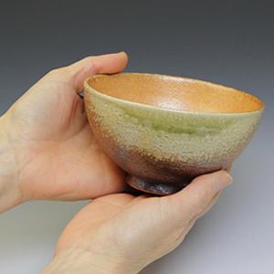信楽焼き飯碗!古信楽めし碗(大)!土のぬくもりあるご飯茶わんです。[w909-11]