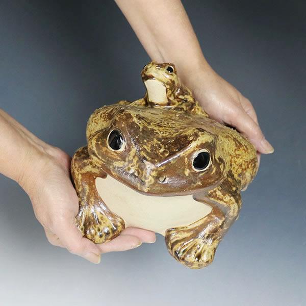 信楽焼 8号蛙 縁起物のカエル しがらき かえる [ka-0066]