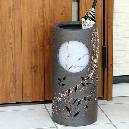 信楽焼きかさたて 月の草花彫り傘立て  陶器かさたて [kt-0118]