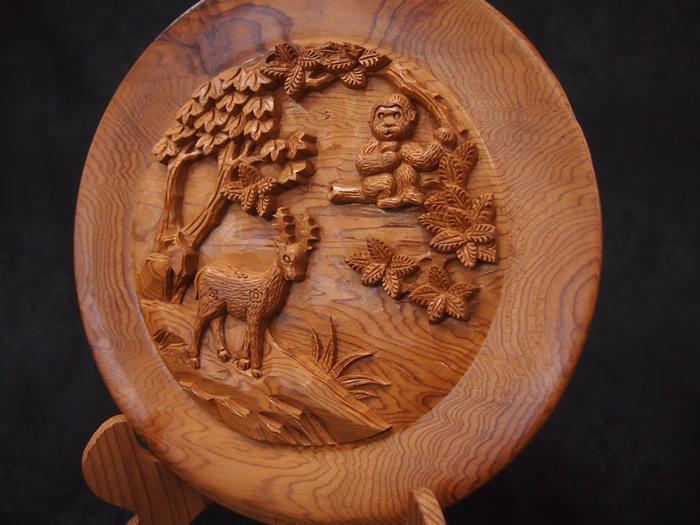 屋久杉屋久猿・鹿彫り丸皿置物098