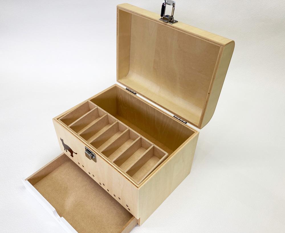 シナ材のお薬箱