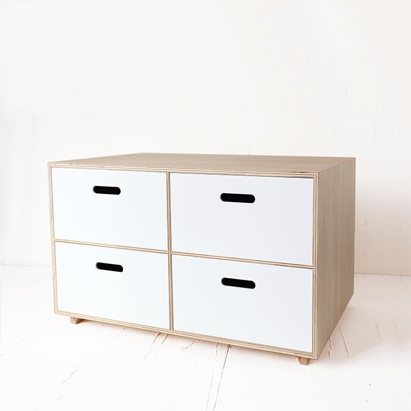 シナ材の大型収納BOX