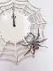 木製の蜘蛛の時計