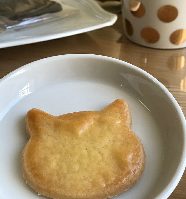 送料無料(一部地域を除く)美味しい  猫クッキー ネコクッキーセット12枚入り 猫 プレゼント 猫谷中堂 イラストペン付き