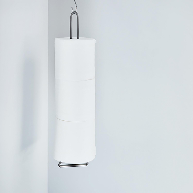 【 HANGING HOLDER 】トイレットペーパーストッカーの新方式。「吊る」ことで床掃除もしやすく。