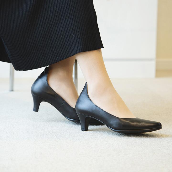 【佳歩と靴 LINE01】くるぶし周囲を引き締めて魅せる 履き心地の良い本革パンプス