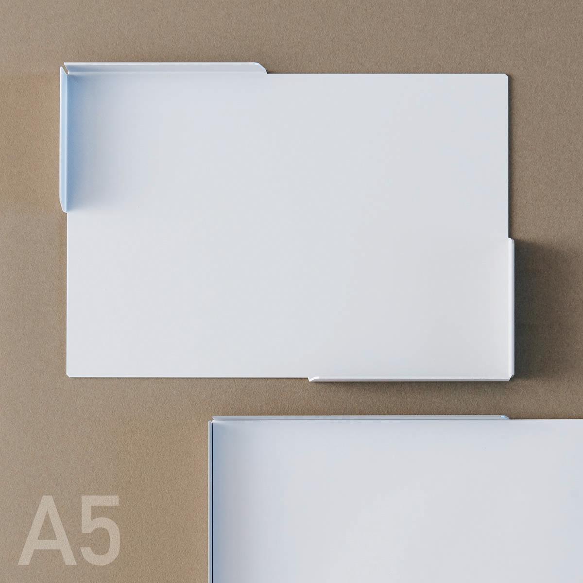 【 PAPER SERVER A5 】ネット会議のメモにぴったり。A5サイズジャストのペーパートレイ