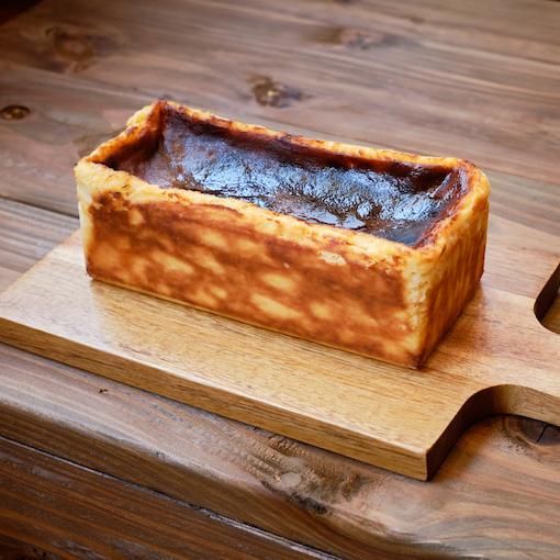 屋久島のバスクチーズケーキ 【ムラサキイモ】