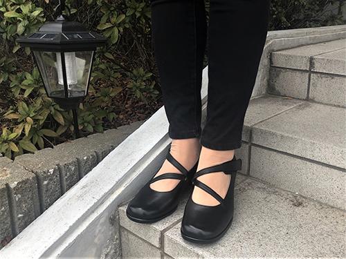 No.29513(ブラック) 軽く・柔らかい履き心地で優しく足を包み込んでくれるパンプス