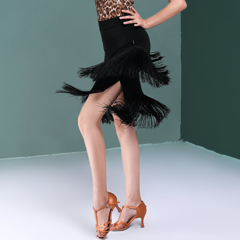 レディース 社交ダンススカート モダンスカート サイドスリット フリンジスカート 黒 ブラック ダンスウェア ひざ丈スカート 上品 大人 キレイ ダンス競技 ジャズダンス タンゴ ルンバ ラテンダンス衣装 大きいサイズ ラテン衣装