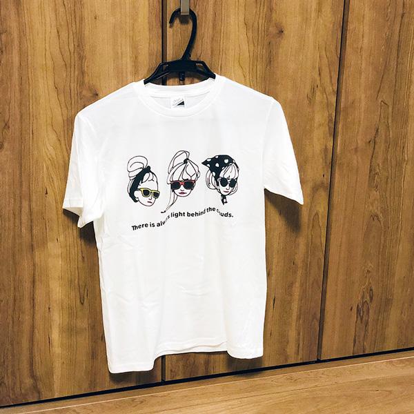 """Tシャツ(ボーイフレンド)・""""Three"""""""