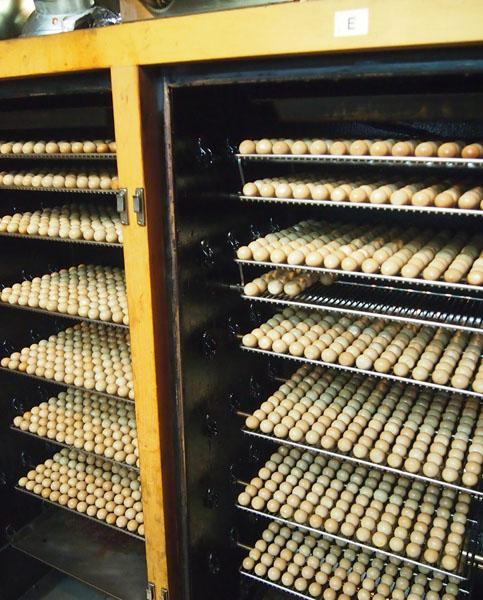 うずらの卵の燻製