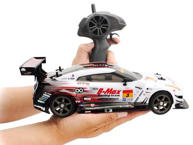 京商製 R/C 1/16 ドリフトレーシングB-MAX NDDP GT-R 4WD(白)