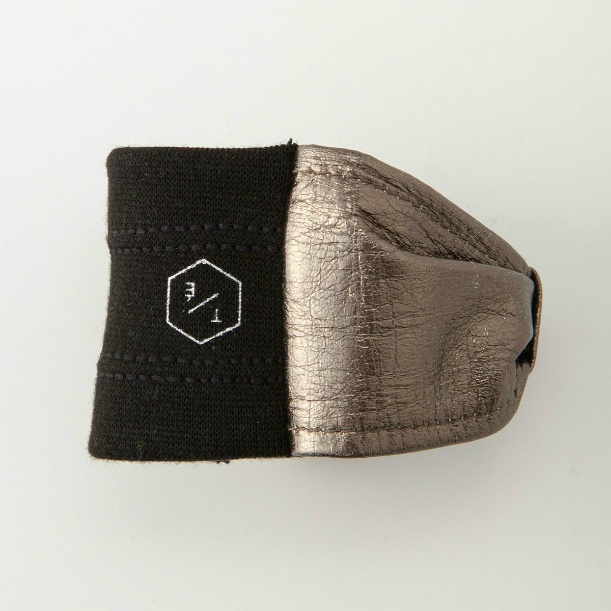 BIYUTE アームカフ 手首アクセサリー ビユテ手袋に重ねつけ コーディネイト用 リボン型 全2色