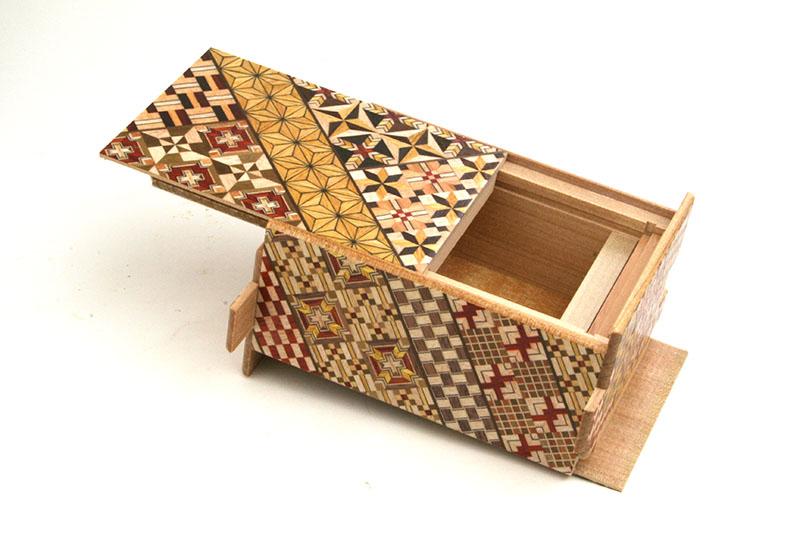秘密箱21回仕掛け 4寸 小寄木 限定版