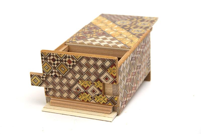 秘密箱27回仕掛け 4寸 小寄木