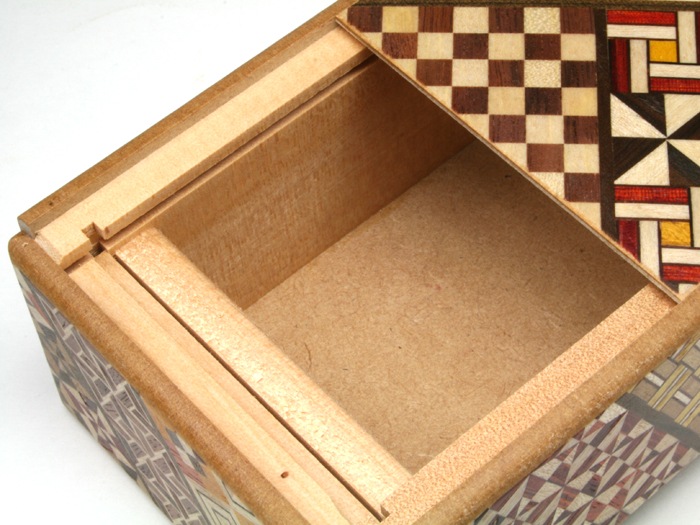 秘密箱4回仕掛け