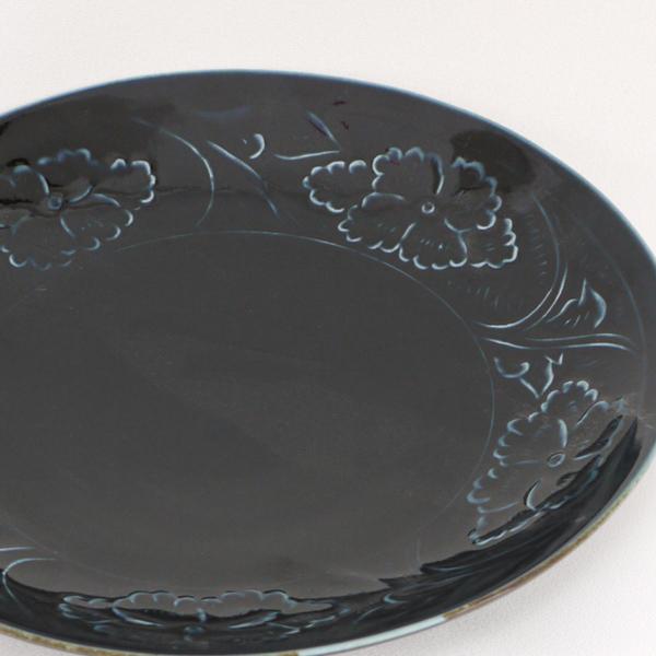 瑠璃陽刻牡丹文7.5寸皿