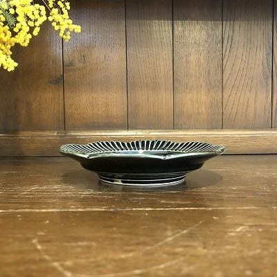 鎬輪花リム5寸皿(瑠璃)