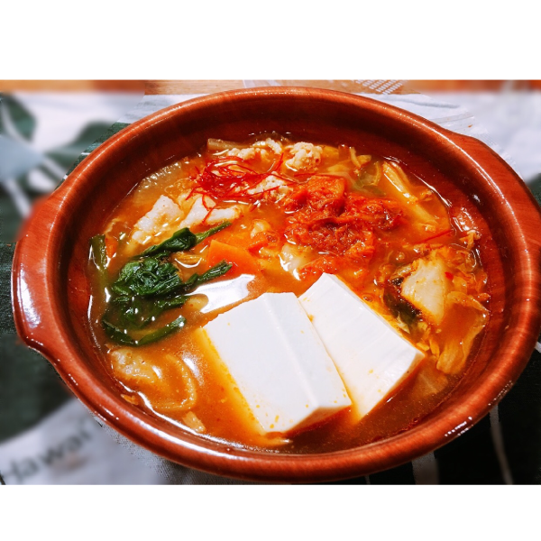 ピリ辛みそ味のキムチ鍋スープ