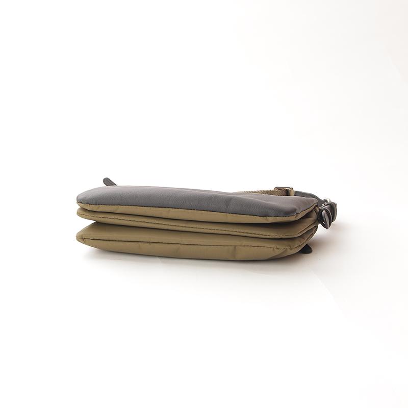 【OUTLET】リサイクルナイロン×カウレザー 薄マチショルダー (Y01-05-01-86)
