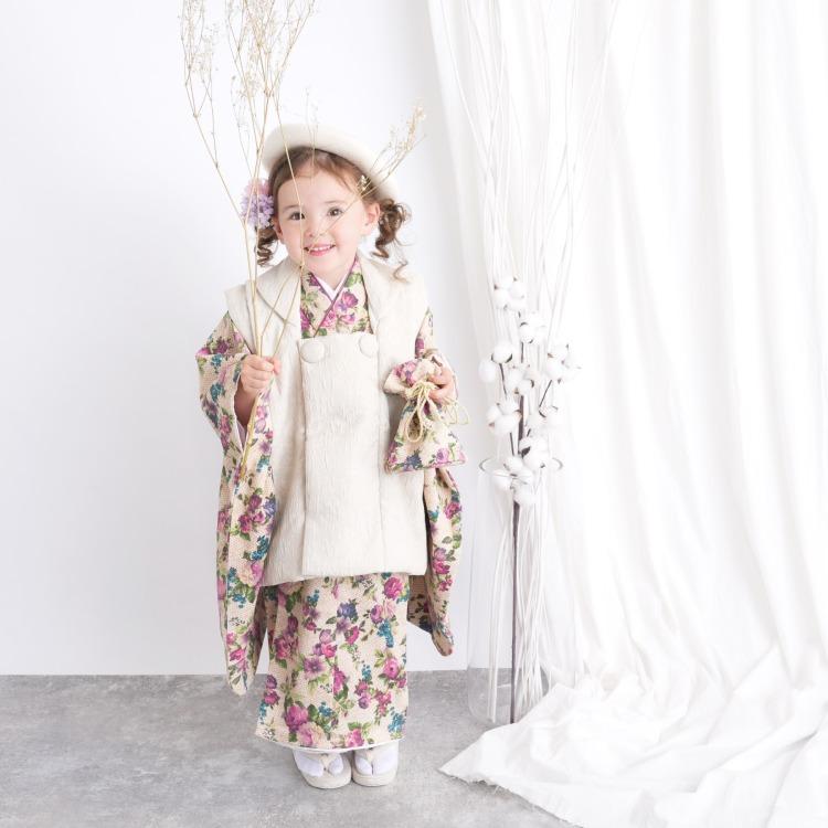 utatane 女児(3歳)七五三 着物 被布セット 華やか 可愛い系 花柄 ピンク系