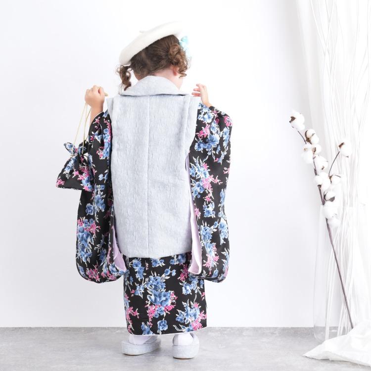utatane 女児(3歳)七五三 着物 被布セット 華やか 可愛い系 花柄 黒系