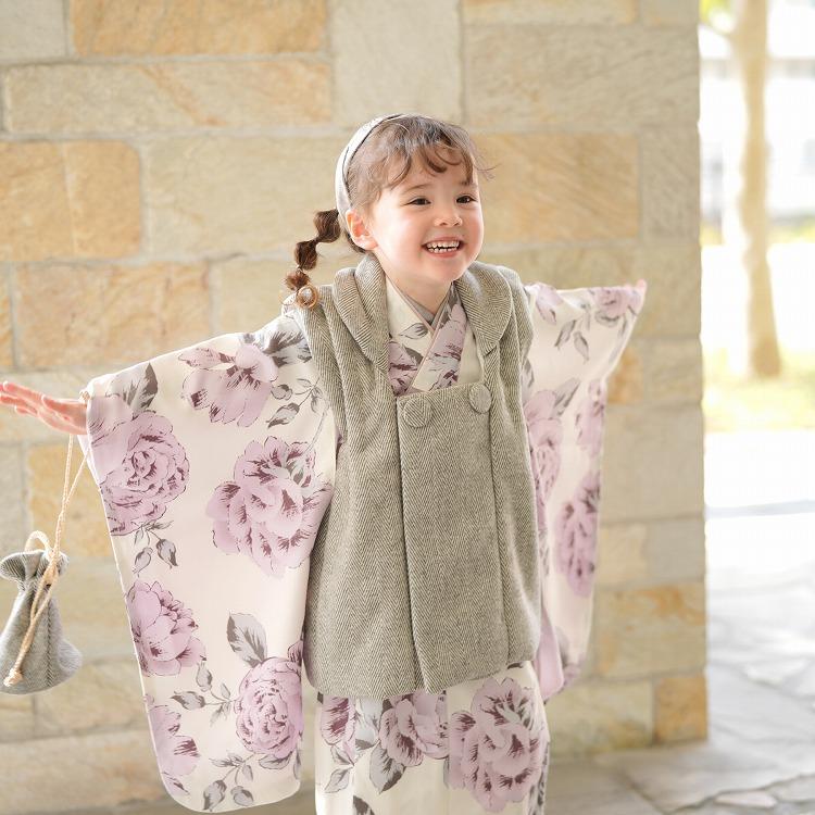 ひよこ商店 女児(3歳)七五三 着物 被布セット 古典柄 レトロ アンティーク系 花柄 アイボリー系
