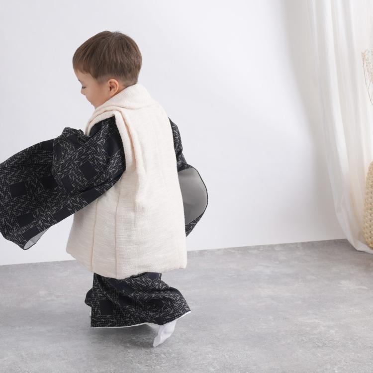 utatane 男児(3歳)七五三 着物 被布セット レトロモダン 系 幾何学 紺系