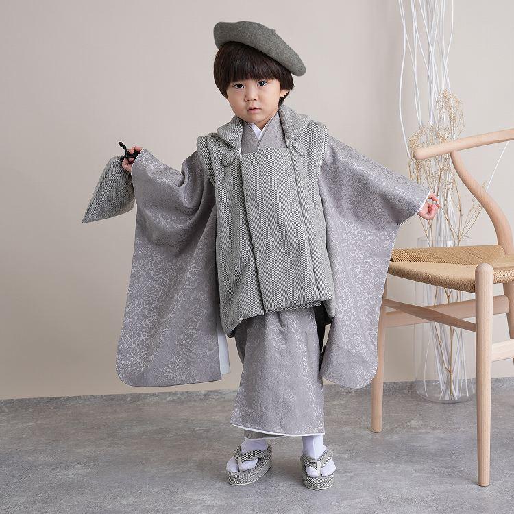 ひよこ商店 男児(3歳)七五三 着物 被布セット 古典柄 レトロ アンティーク系 アラベスク グレー系
