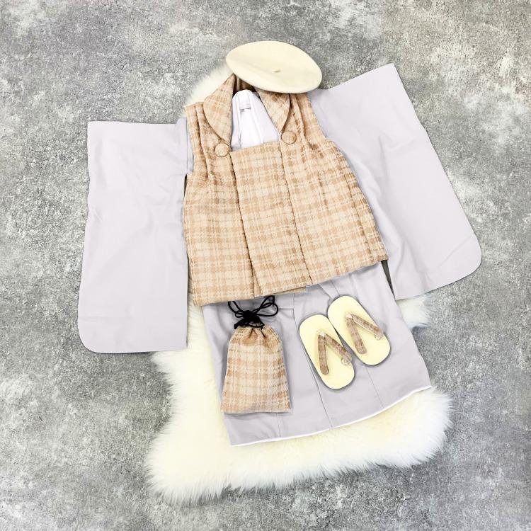 かぷり 男児(3歳)七五三 着物 被布セット 古典柄 レトロ アンティーク系 無地 グレー系