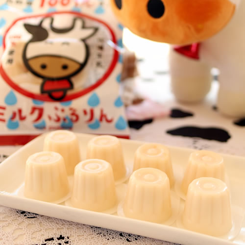 ミルクぷるりん|乳酸菌100億コ入りの一口ミルクプリン