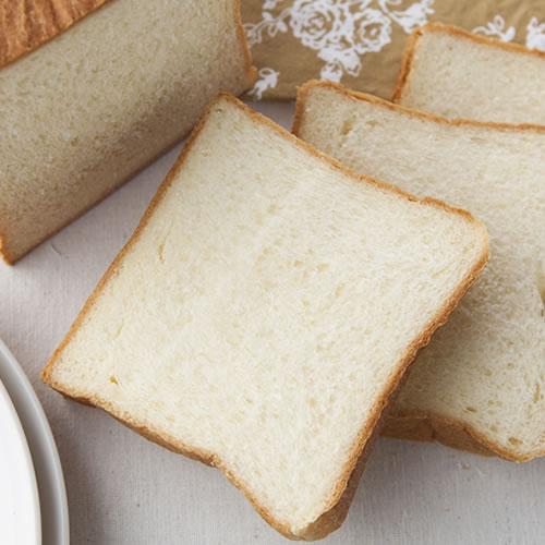 過激な牛乳食パン|水を使わず、牧場牛乳のみで焼き上げたミルク食パン