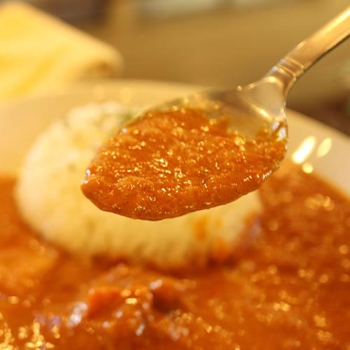 ヨーグルトバターチキンカレー|ヨーグルトの美味しさがカレーに生きる