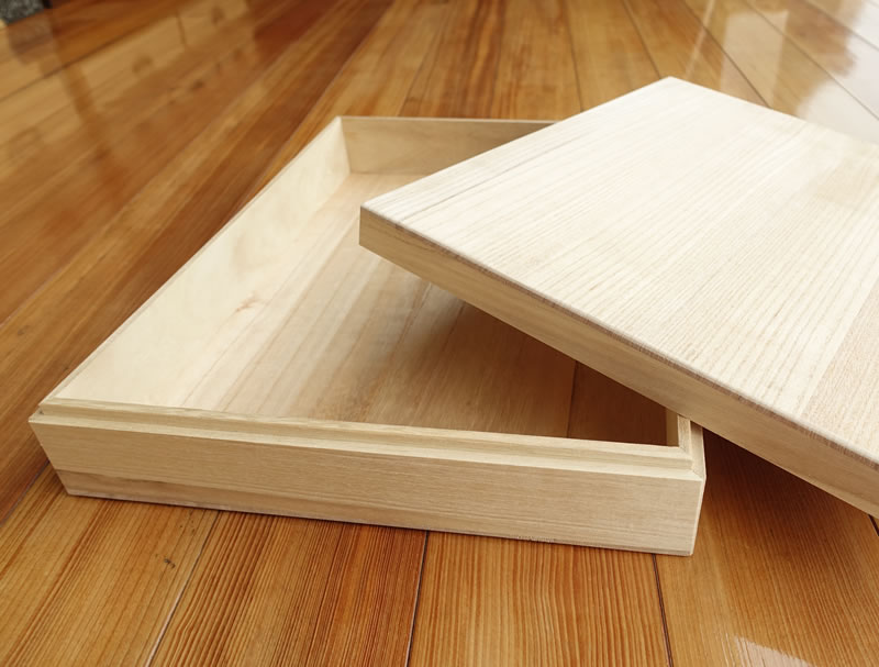桐箪笥職人の桐箱