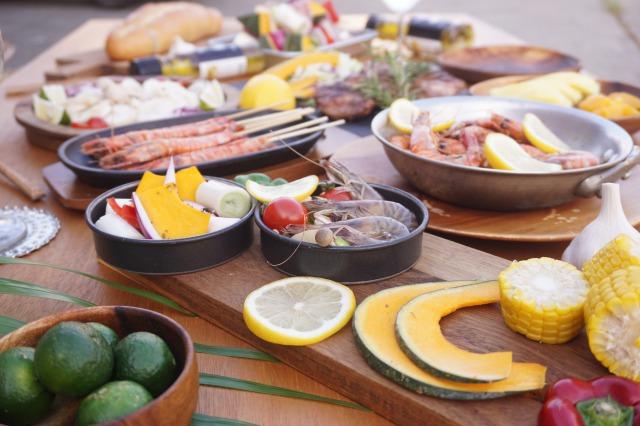 【ガーリックチキンセット】久米島産赤鶏モモ肉1kg +無添加ガーリックオリーブオイル320g 送料無料