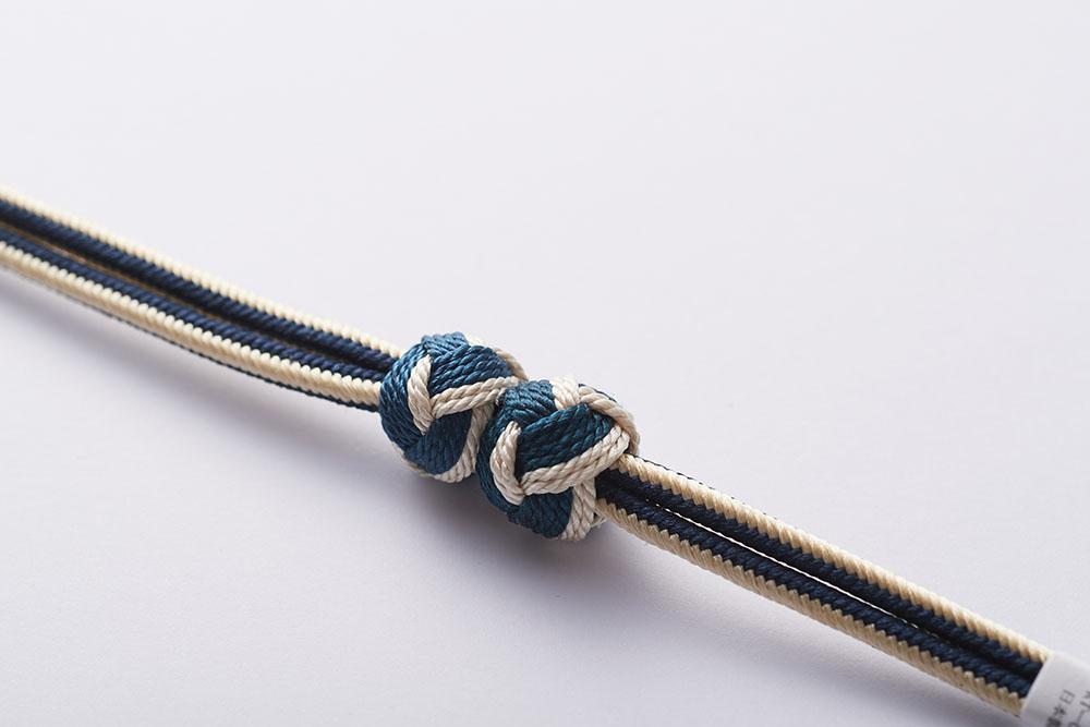 組紐と小田巻を使ったマグネット着脱の羽織紐