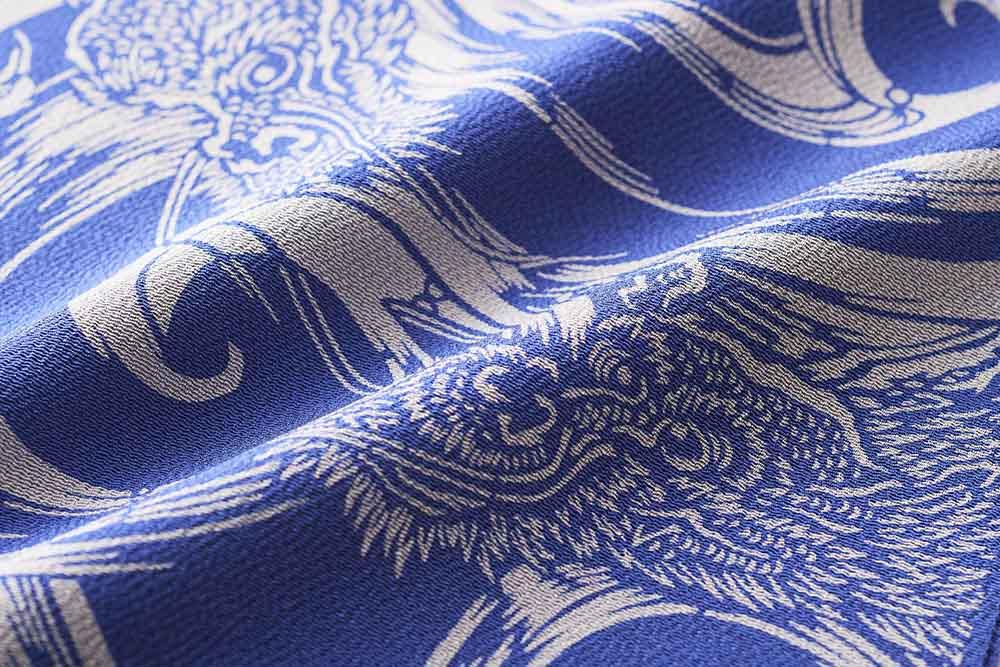 突彫の人間国宝南部芳松氏の伊勢型をボリューム感のある縮緬地に染めた帯揚