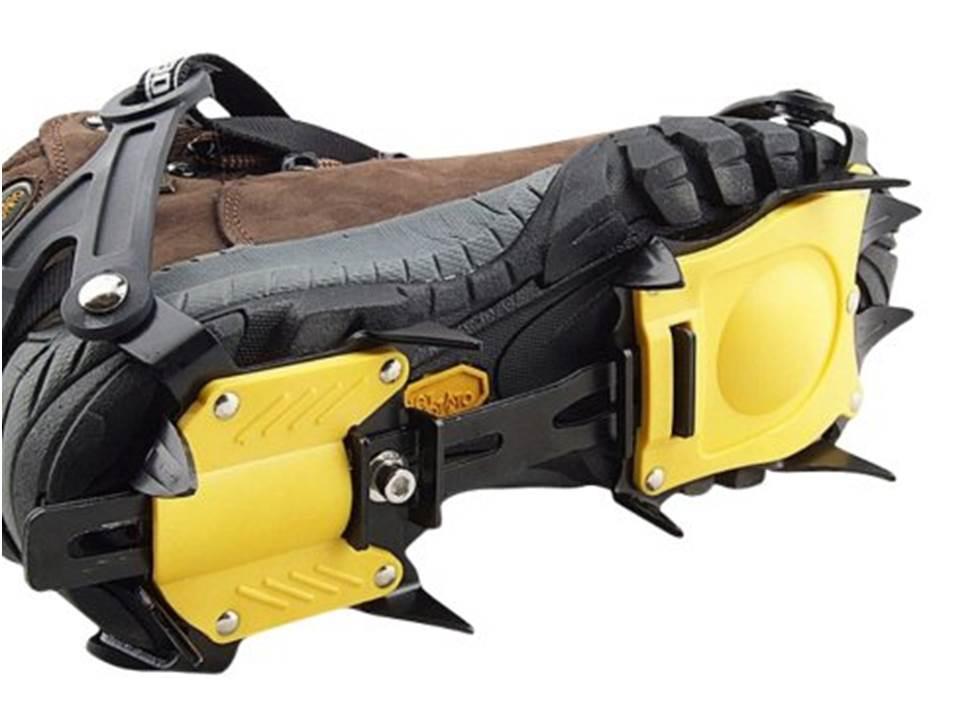 送料無料【専用ケース付】アイゼン 10本爪 25-28cmまでの靴に対応 地面をしっかりグリップ