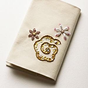 ビーズキット 『ビーズ・デコ刺しゅうキット 花柄のブックカバー BDK-5』 TOHO BEADS トーホービーズ