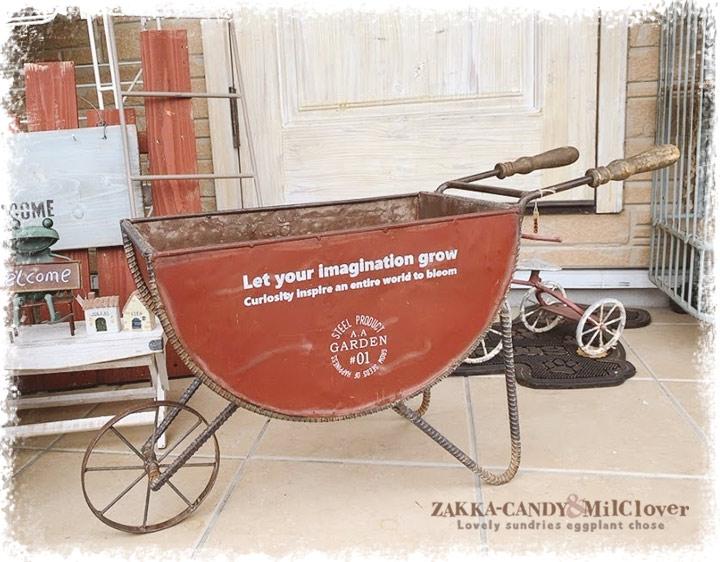 【送料無料】アンティーク調  大きな ジャンク一輪車 ヴィンテージセミサークル カート