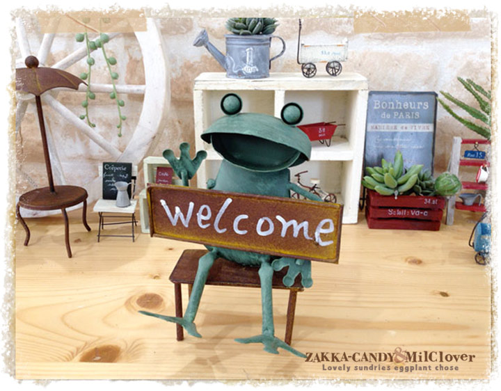 ブリキのカエル Welcome【サビサビ シャビー ジャンクガーデン アンティーク調 ガーデニング】