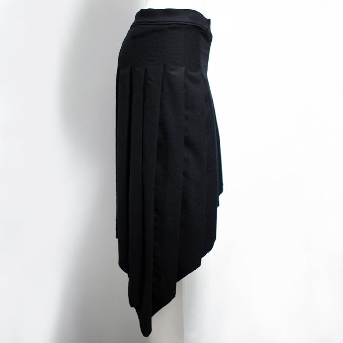 スラッシュプリーツスカート