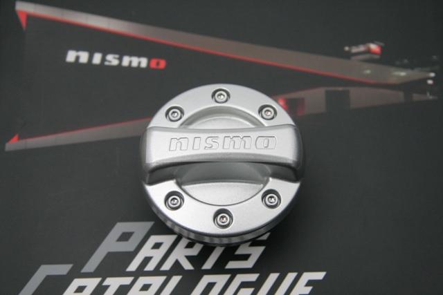 フェアレディZ34オイルフィラーキャップ nismo