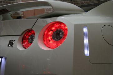 GT-R 35パーツ 光 rear side reflector
