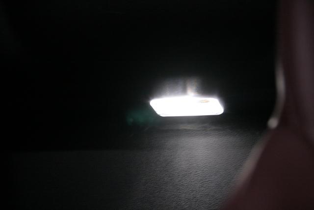 フェアレディZ34 ロードスターリアトレイLEDランプ