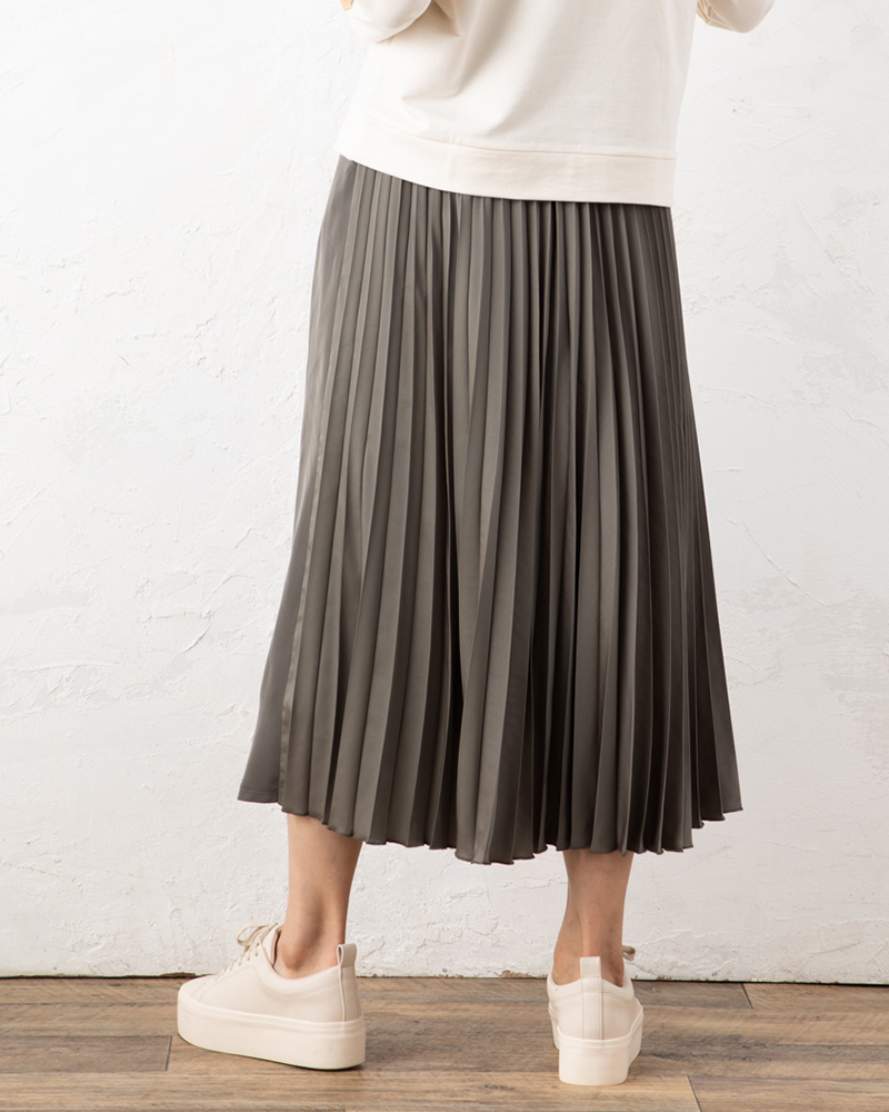 【NEW】バックプリーツ切り替えフレアスカート